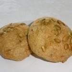 Glutenfri boller med græskarkerner